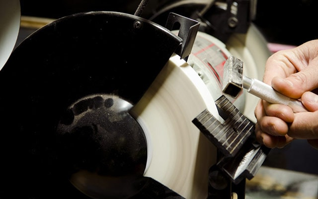 Dressing A Bench Grinder Wheel With A Diamond Wheel Dressing Tool