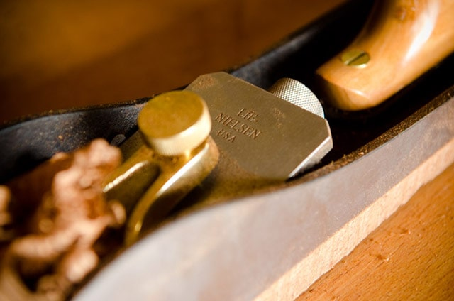 Close-up view of the blade of a Lie-Nielsen #62 Low Angle Jack Plane