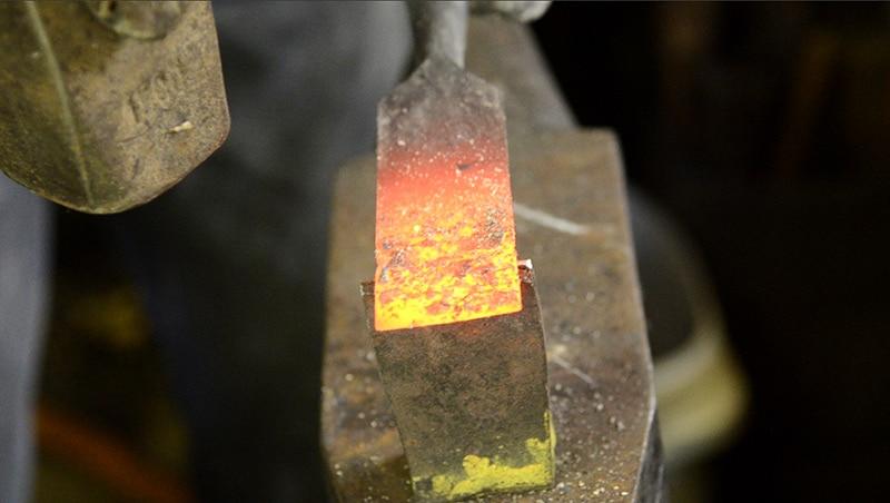 woodandshop-blacksmith-chisel-repair-bruce-dembling-cut-off
