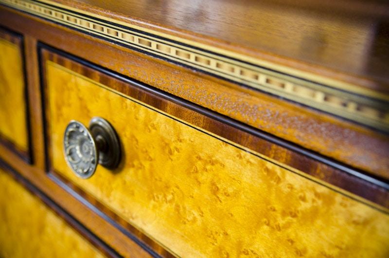 Inlay Banding Furniture With Bird'S Eye Maple
