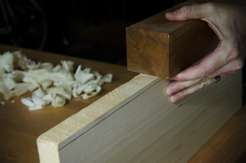 how_to_use_wooden_jointer_plane_DSC9021