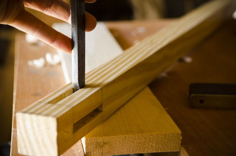 build-a-desk-with-hand-tools_WID2297