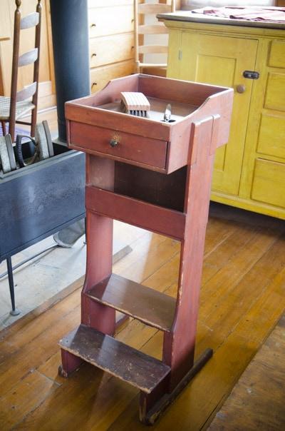 hancock_shaker_village_woodworking_furniture_WID5964