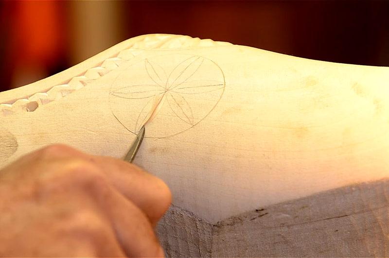 Mark Thomas Chip Carving A Wooden Clog