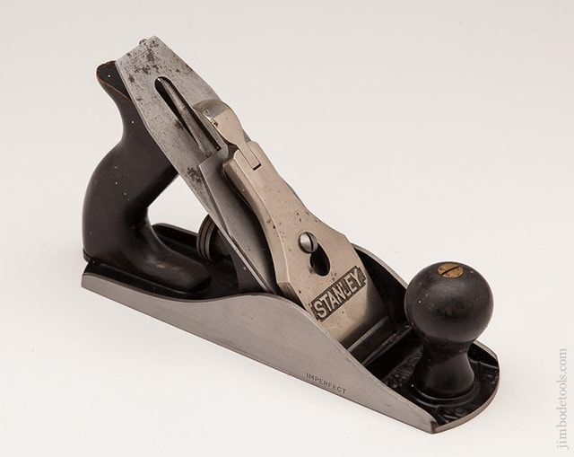 Stanley plane identification showing a Stanley Bailey Type 17 Hand Plane (1946-1947)