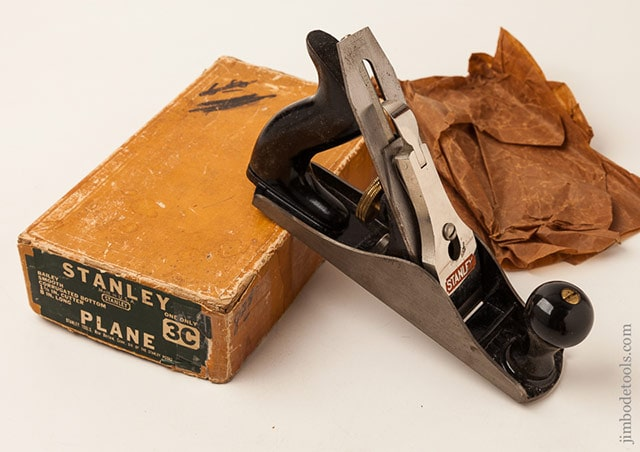 Stanley plane identification showing a Stanley Bailey Type 18 Hand Plane (1946-1947)