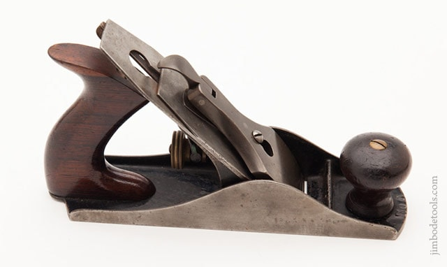 Stanley plane identification showing a Stanley Bailey Type 5 Hand Plane (1885-1888)