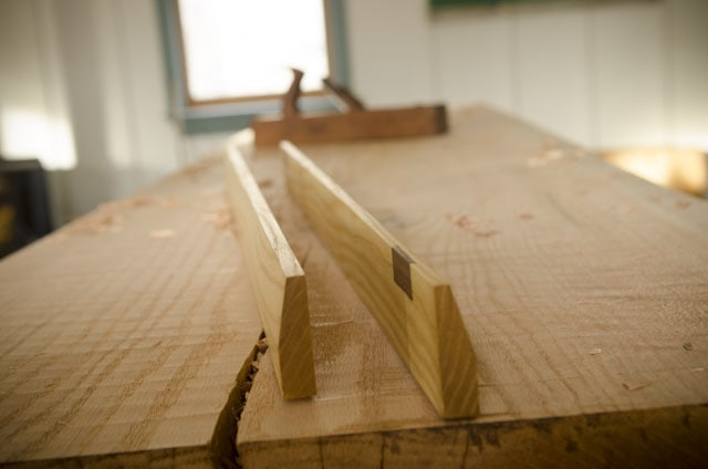 Roubo workbench build with winding sticks and hand plane