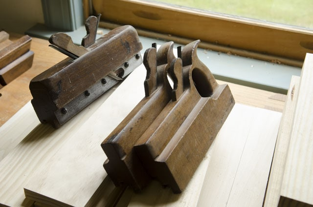 Matched pair tongue and groove planes and come and go wooden tongue and groove plane