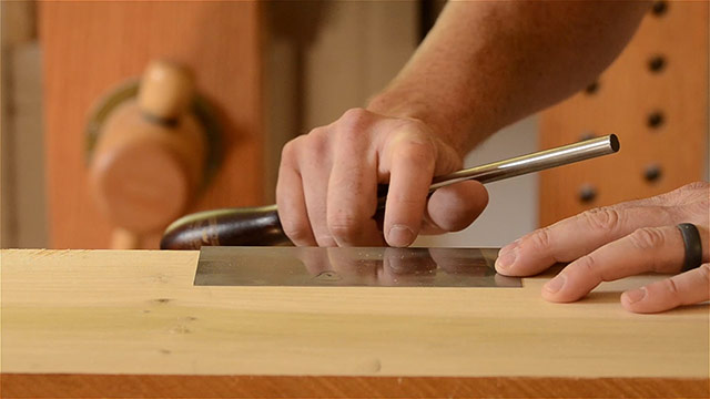 Turning a card scraper hook by feel with fingernail