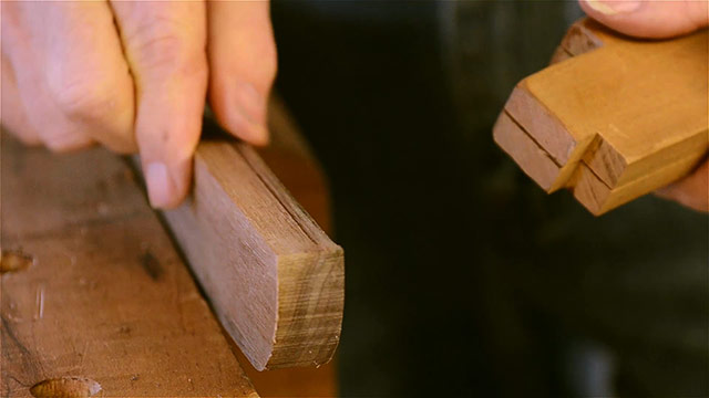 David Ray Pine using a scratch stock on a piece of wood