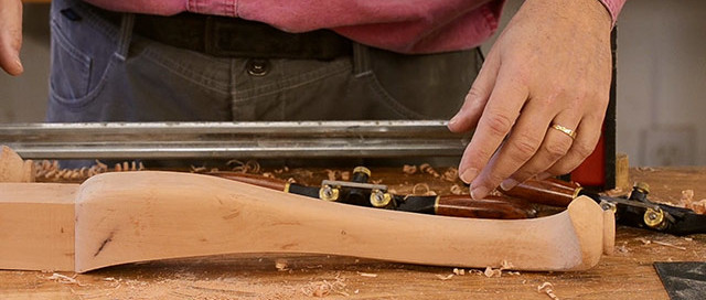 Dave Heller Making Cabriole Chair Legs In A Woodworking Vise