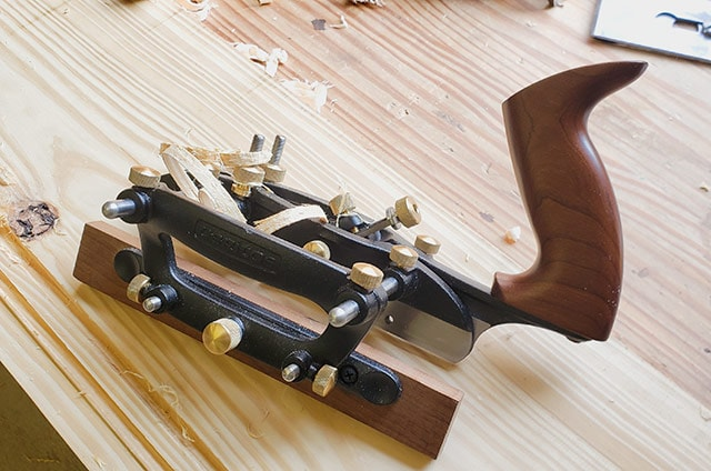 Veritas combination plane on a pine board