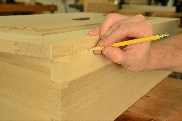 Adding hinges to a dovetail chest box