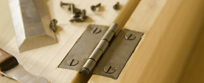 Install Hinges,Woodworking Hand Tools,Installing Door Hinges,Install Hinges On Door,Install Hinges On Cabinet Doors,Install Hinges On Cabinet Box,Dovetail Box,Dovetail Boxes,Dovetail Chest,Dovetail Chests,Antique Hardware,Install Hinges On A Box