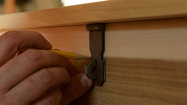 Historical Hasp Installation On A Dovetail Chest