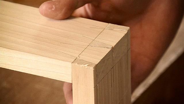 Cutting Dovetails By Hand With Woodworking Hand Tools - Dovetail Joint