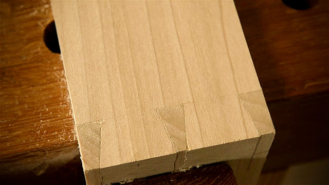 How To Cut A Dovetail Joint With Hand Tools