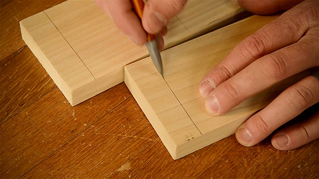 Cutting Dovetails By Hand With Woodworking Hand Tools - Marking Pencil Lines