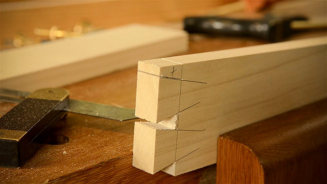 Cutting Dovetails By Hand With Woodworking Hand Tools