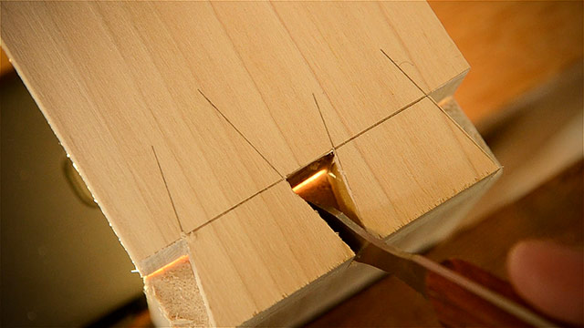 Cutting Dovetails By Hand With Woodworking Hand Tools Using A Marking Knife