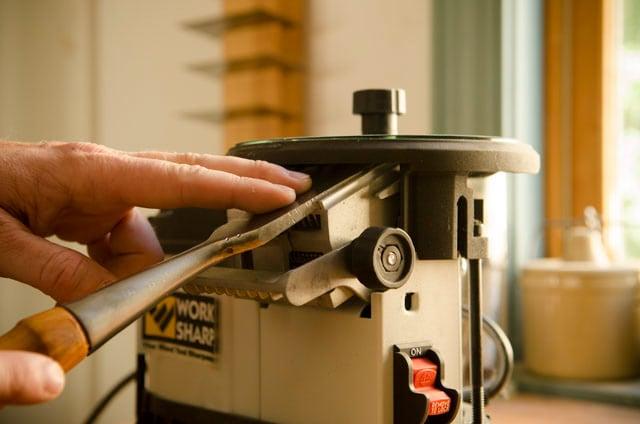 Chisel Sharpening With A Work Sharp 3000 Sharpening Machine